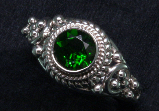 .88 ct. Chrome Diopside in Silver