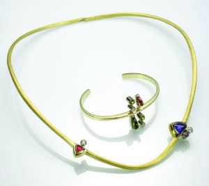 Cantilevered Neckring and Bracelet