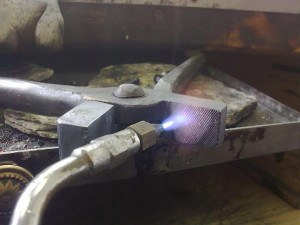 Annealing the tongs